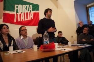 Paolo Gatti, durante il suo intervento, alla sua sinistra il Vice Sindaco Roberto Di Marco