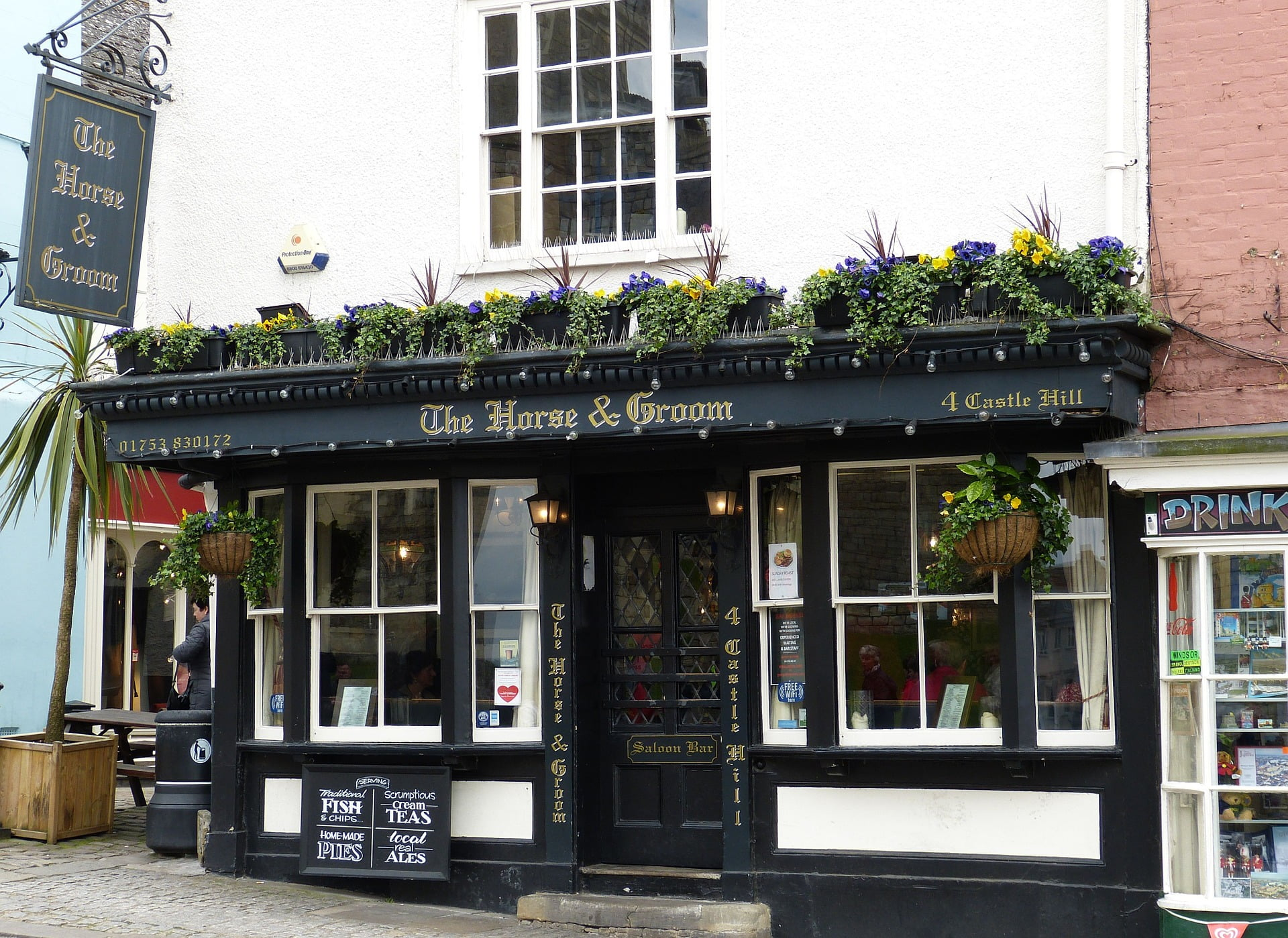 Reasons to visit London the horse and groom pub