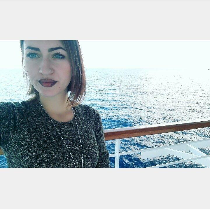 Schianto nella notte: Micaela muore sul colpo. Aveva 22 anni
