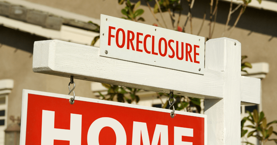 picture of a foreclosure sign on a house