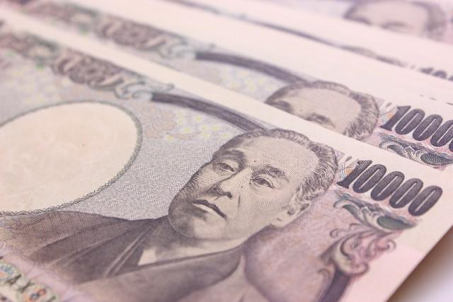 副業で10万円稼げれば、生活はだいぶ助かる