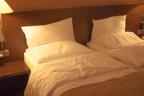 高すぎる枕は肩こり原因の元