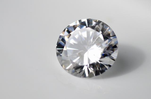 いらないダイヤモンド・宝石などを知り合いや知人に譲る