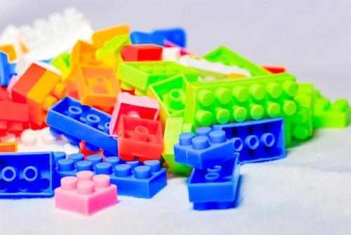レゴ・プラレールなどには根強い人気がある