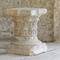Column capital
