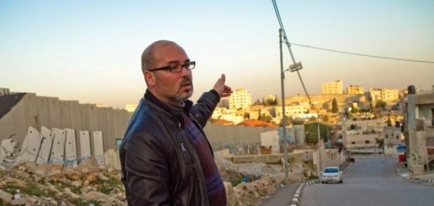 """Some Palestinian tour guides believe in nonviolence and """"dual-narrative"""" tourism - https://issuu.com/easternmennoniteuniversity/docs/peacebuilder-fall-winter-2012"""