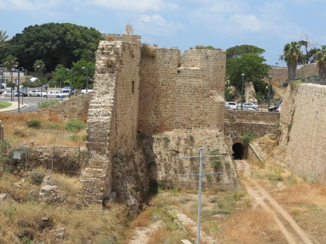 Walls of Acco