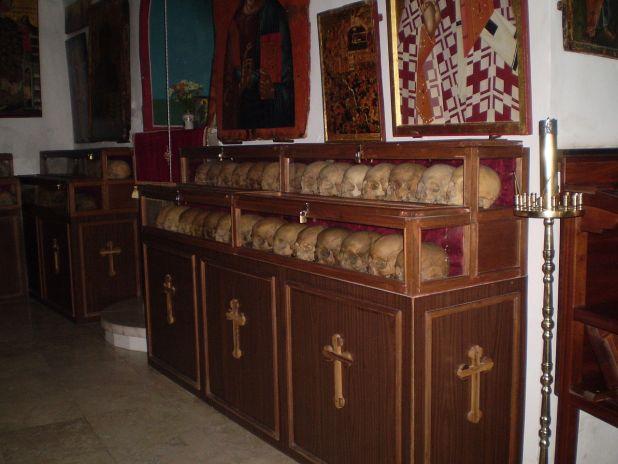 גולגולות נזירי המנזר שנטבחו בידי הפרסים בשנת 614