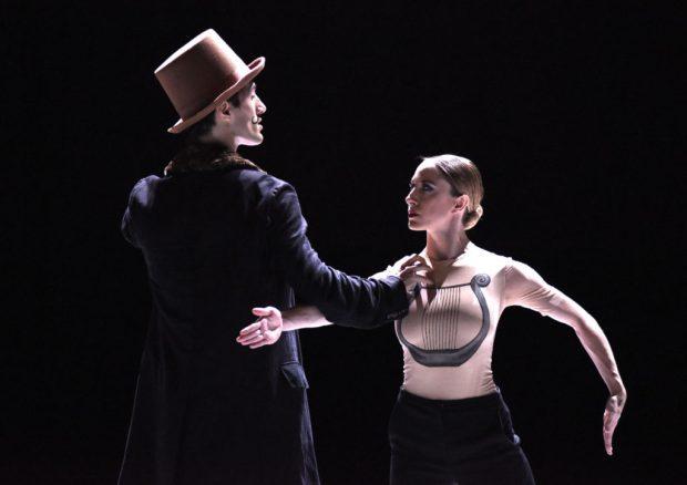 Танцевальная компания «Gauthier Dance» Эрика Готье. «Нижинский». Хореграфия - Марко Гёке