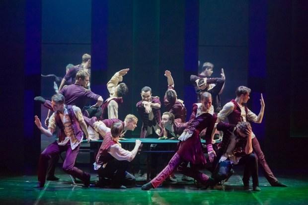 """Сцена из балета """"Чайковский. Pro et Contra"""". Фото - Евгений Матвеев."""