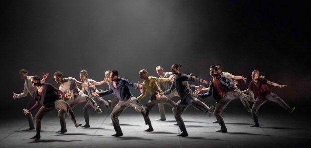 """Сцена из балета """"Волк"""" Хофеша Шехтера. Photo Nikolay Krusser"""
