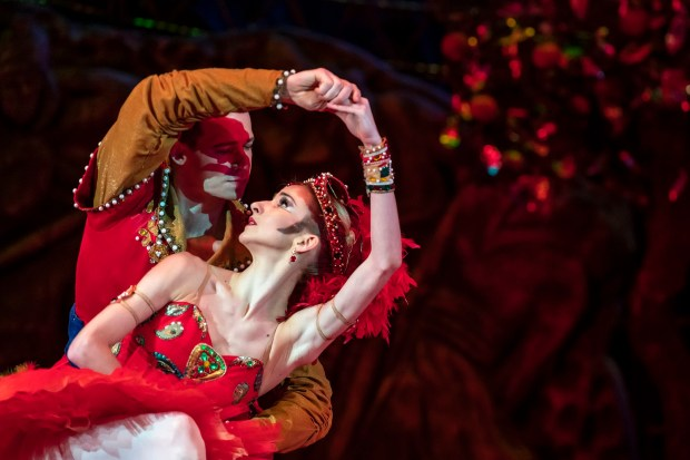 "Варвара Серова и Дмитрий Круглов в ""Жар-Птице"". Фото © Oren Cohen"