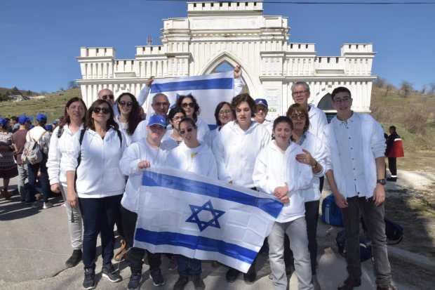 Фото 4 – израильская делегация подростков с особыми потребностями в гостях в Битоле