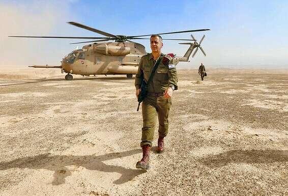 Les maux de tête du chef d'état-major sont plusieurs fois plus importants que ceux du chef du Mossad. Des étoiles sur le terrain // Photo: Oren Cohen