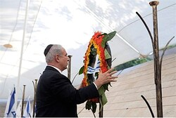 Netanyahu lays a wreath on Memorial Day in Jerusalem