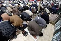 Los miembros de la Hermandad Musulmana en las oraciones del viernes