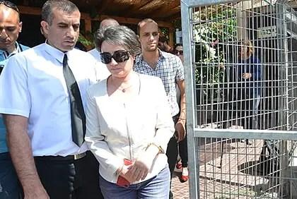 Hanin Zoabi leaving police investigation