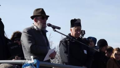 На Марше Памяти всегда после молитвы за умерших и кадиша католический ксендз читает один из псалмов