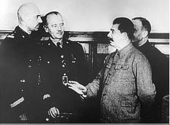 Владислав Андерс, Владислав Сикорский и Иосиф Сталин. Куйбышев, 1941 г.