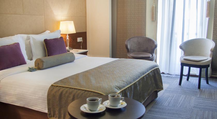 eurostars-hotel-old-city-55942495
