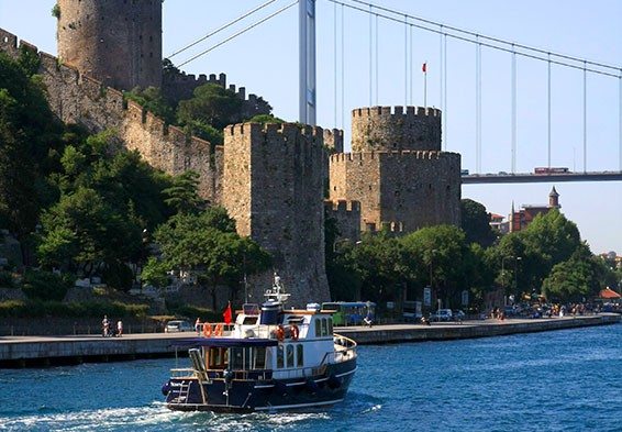 HALF DAY MORNING OR AFTERNOON BOSPHORUS TOURHalf Day