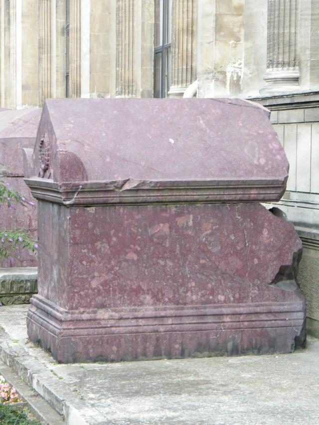 Porphyr-Sarkophage