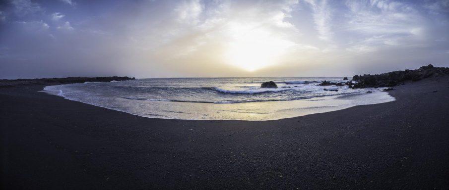 lanzarote - spiaggia nera - cosa vedere a Lanzarote - Istanti In Viaggio