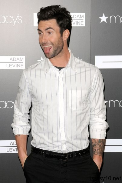 Adam Levine Fun Face istasy10net