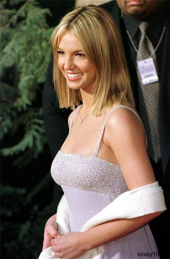 Britney Spears, 1999 istasy10net