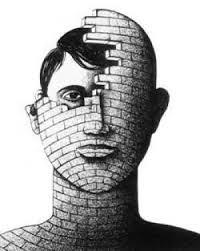 Risultato immagini per personalità realtà società