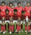 South Korea's national soccer team pose before friendly match against Australia in Seoul
