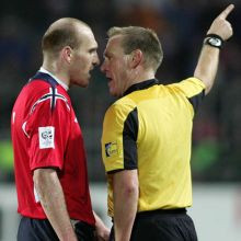 New-refereeing-communication-system-at-the-2006-FIFA-World-Cup-2