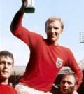 Bobby Moore cu trofeul Jules Rimet. 1966
