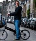 Moritz Volz si bicicleta pe care o folosea ca mijloc de transport