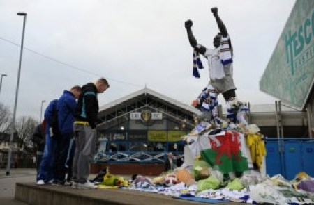 Gary Speed Tributes in Leeds