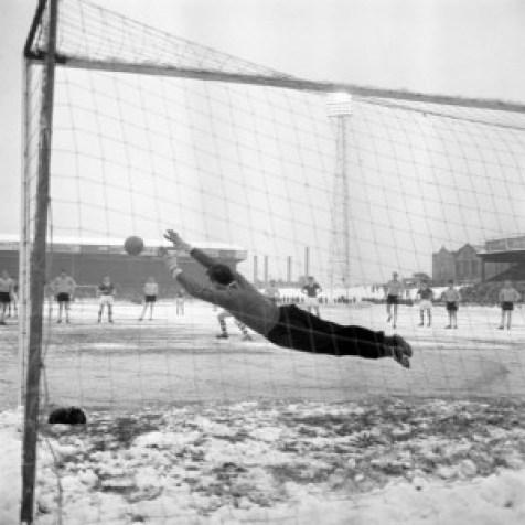 Soccer - League Division Three - Watford v Carlisle United - Vicarage Road