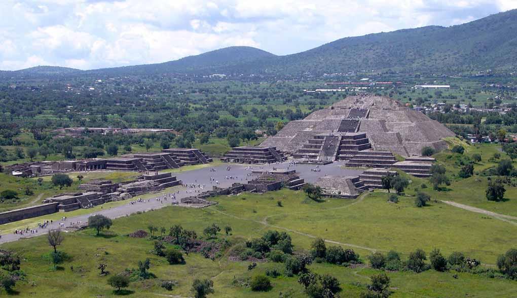 Piramida Lunii de la Teotihuacán, Mexic