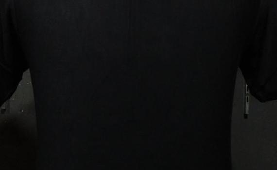 kaos hitam polos