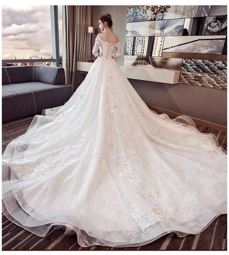 Affordable Long Sleeve Wedding Dress Lace Wedding Gown Champagne ...
