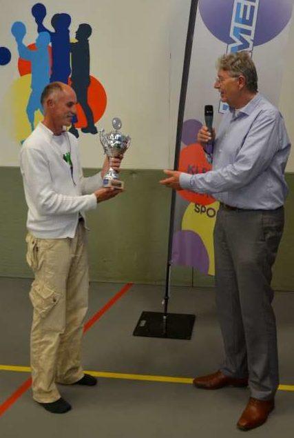 Uitreiking Harry Hofstedebokaal Remco van den Berg ISV Kameleon