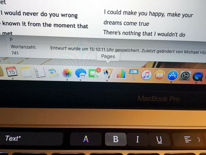 Macbook Pro mit Touch Bar - Pages