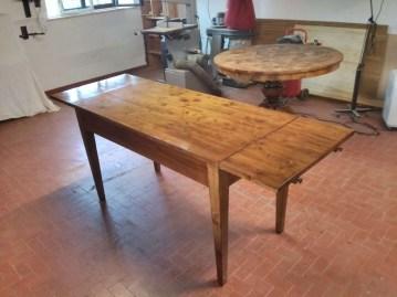 8. Immagini del restyling di un tavolo allungabile in abete massello.jpg