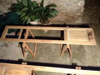 Ristrutturazione di una serie di infissi in castagno con inserimento vetro camera