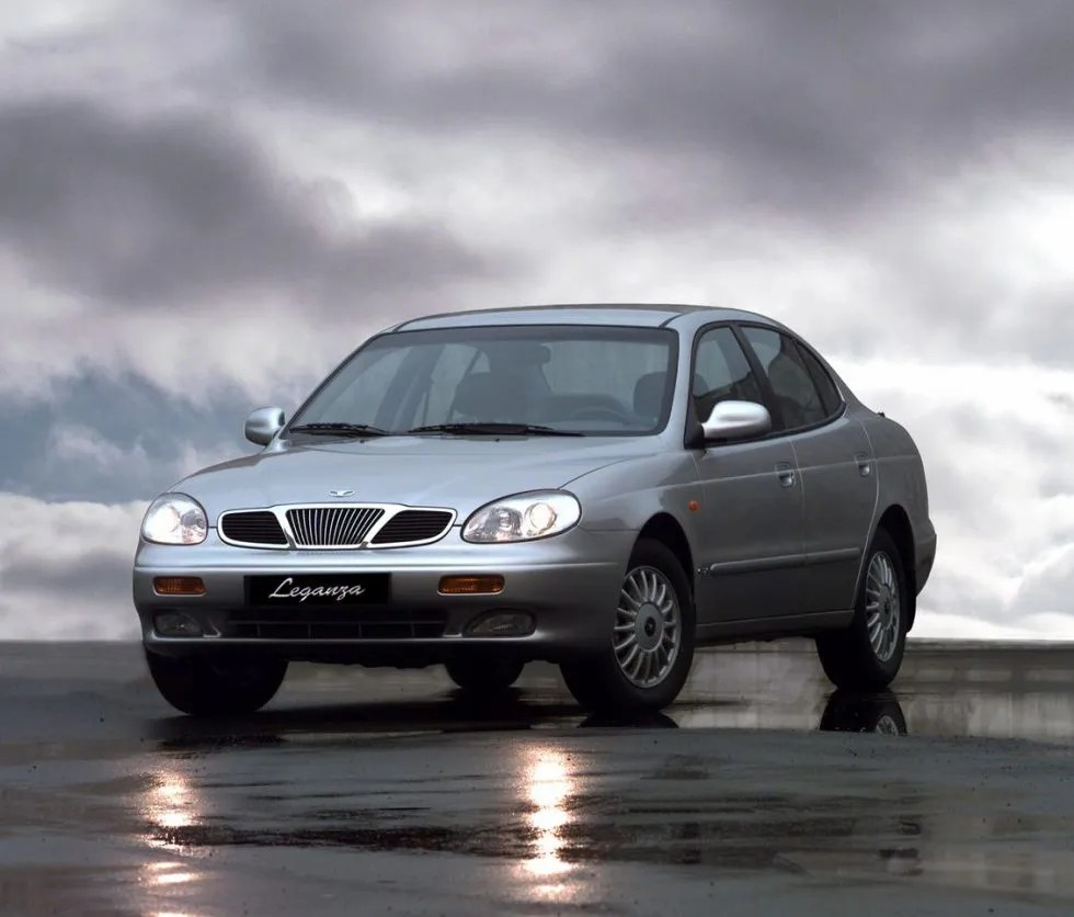 hight resolution of the leganza launched in 1997 joined the lanos three box and the lanos hatchback in the daewoo car product range fully developed in korea