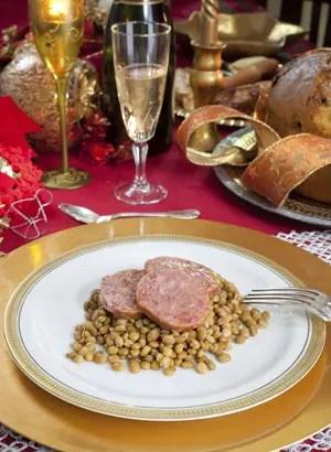 Natale a tavola trionfa la tradizione Capitone e zampone i protagonisti  Italia a Tavola