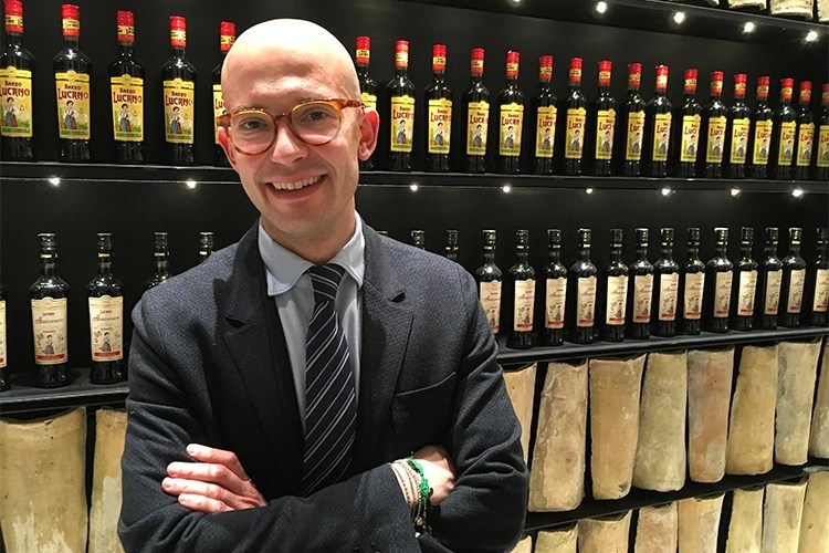 Leonardo Vena - Amaro Lucano, storia di una famiglia  Leonardo Vena: «La passione ci distingue»