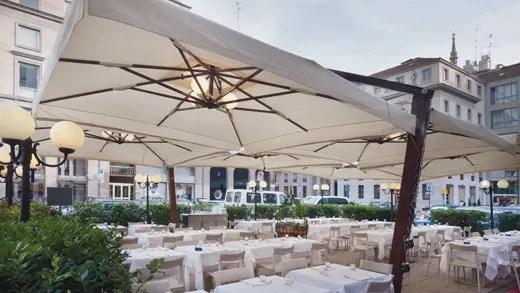 Estate  tempo di dehors Fra tende ombrelloni e gazebi  Italia a Tavola