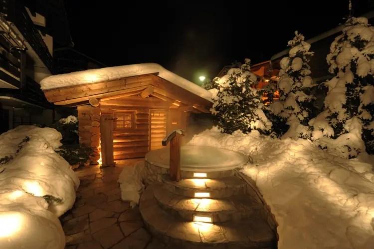 Due cuori e una baita tra i boschi San Valentino da sogno in Val Gardena  Italia a Tavola