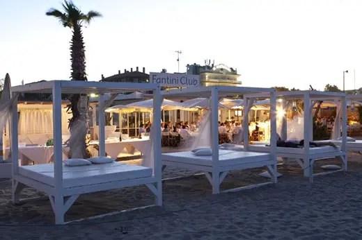 Matrimoni e gare di golf sulla spiaggia Il Fantini Club di Cervia sfida il maltempo  Italia a