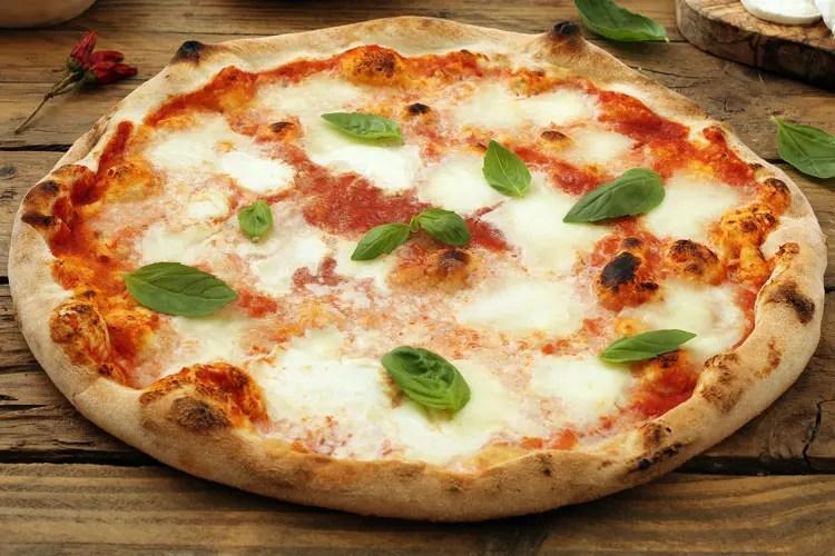 La pizza Margherita La prima in onore della Regina  Italia a Tavola